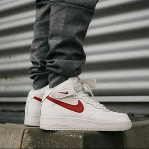 Men's Air Force 1 Mid 07 (Size 10.5)